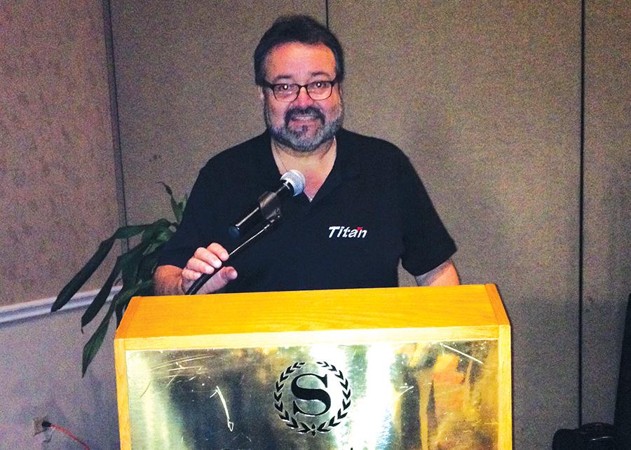 Johnny Ramirez Gerente de Negocios Internacionales de Titan