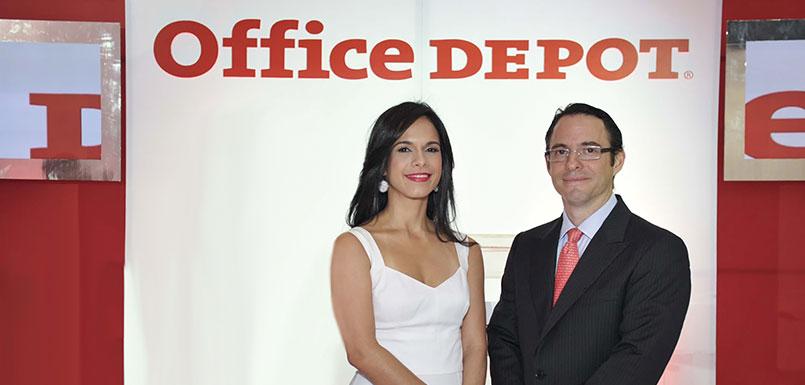 Rosalina Trueba de Prida, Directora General Office Depot Republica Dominicana y Diego Prida, Director Comercial