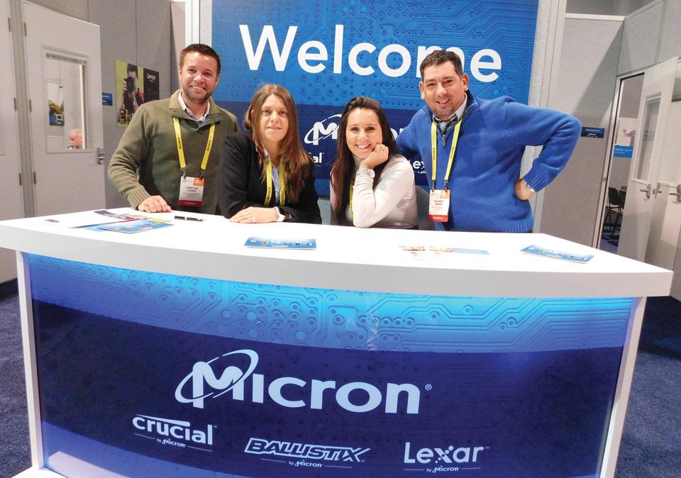 Chris Closas, Commercial Director; Mariana Piotroski, President; Debora Gomez, Sales Associate y Ricardo Bravo, Marketing Director