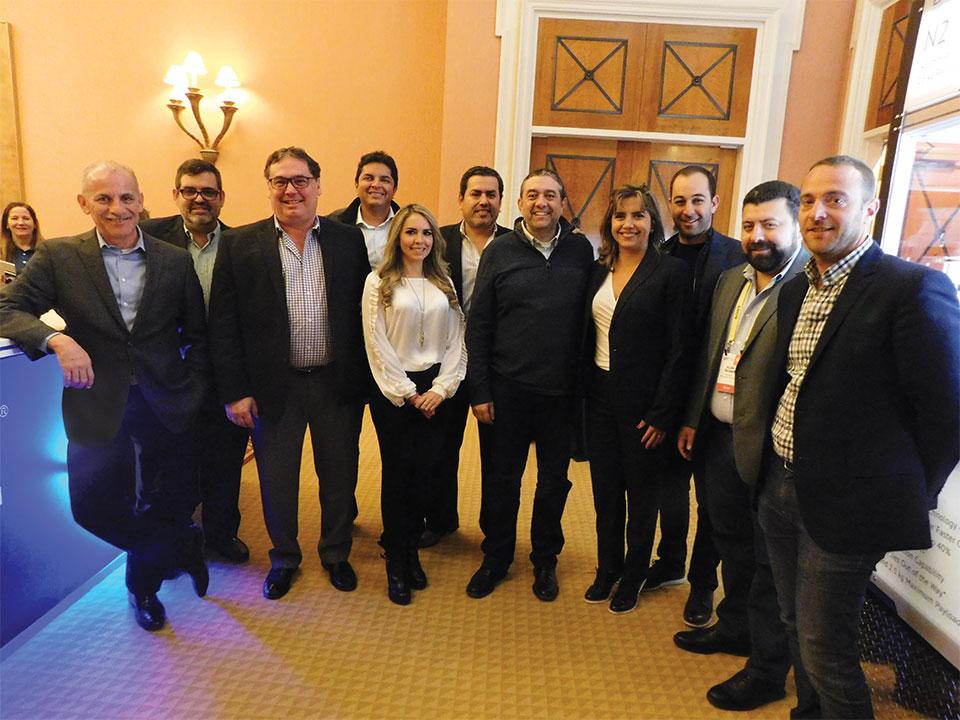 Plana Mayor de Intcomex Miami y sus afiliadas de Panamá, Guatemala, Salvador y Costa Rica presentes en el ShowRoom junto al Team de Epson